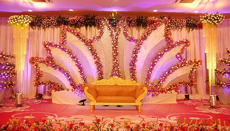 از زمان های گذشته تا به امروز، میزبانی خوب در تالار عروسی بسیار مهم بوده است. تشریفات مجالس روژین آماده ارائه انواع خدمات عروسی به مشریان می باشد.